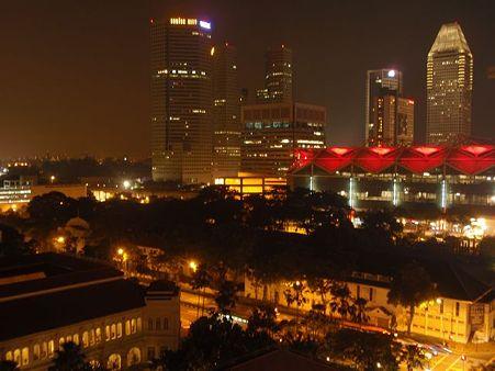 シンガポール10月22日夜(赤)
