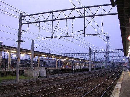 弘前駅弘南鉄道ホーム