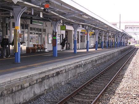 上諏訪駅ホーム1