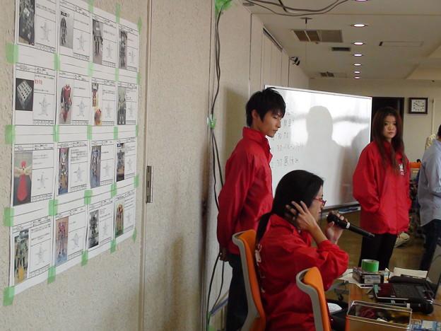 いつもがんばっている東京理科大無線研究会スタッフ