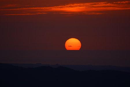 日本海に沈む夕陽(2) 17:34  キゴ山から