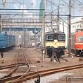 一両編成のオレンジ電車