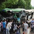 写真: 武漢での交通事故 バストミキサー車 (3)