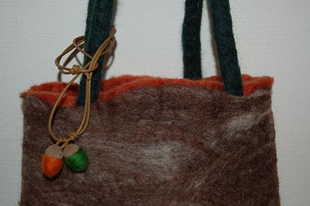 ハンドメイドフェルトでバッグを作る  完成品
