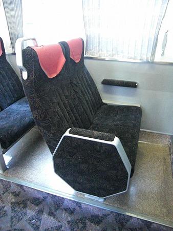80E-2階建座席