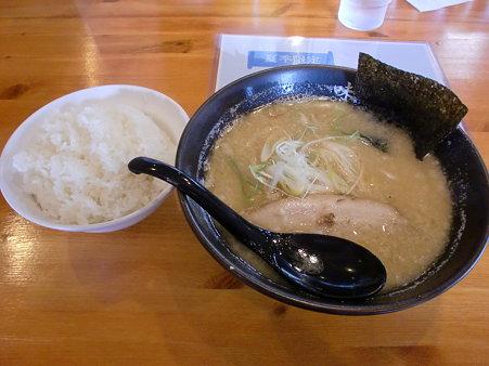 麺や白 みそ+ライス大
