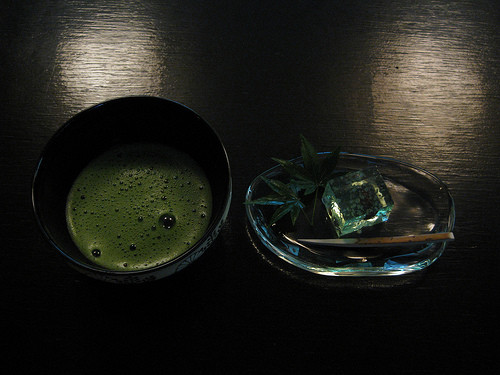 Drinking a cup of matcha (green tea) at Rakuutei in Shinjuku Imperial Garden