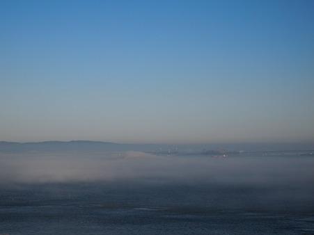 アルカトラズも霧の中