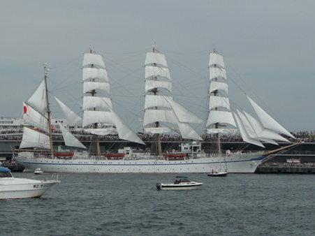 090720-大桟橋 総帆展帆 (44)