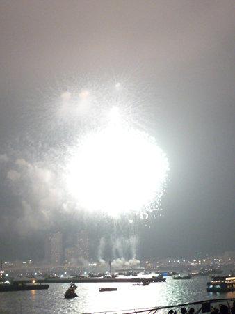 090801-大桟橋 花火 (259)