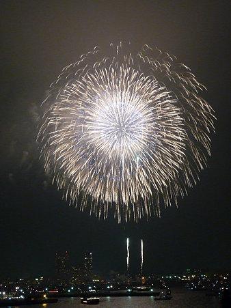 090801-大桟橋 花火 (319)