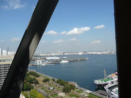 091012-マリンタワー 階段 (32)