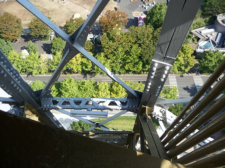 091012-マリンタワー 階段 (37)