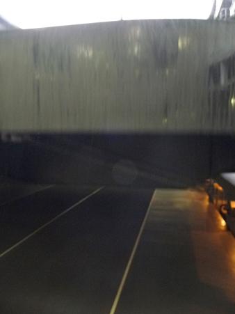 091024-ひゅうが 格納庫から船尾リフター (4)