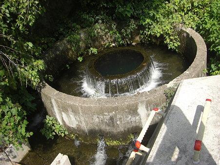 円形分水は年中無休?