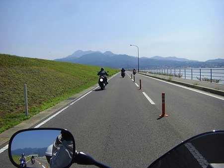 堤防道路後半