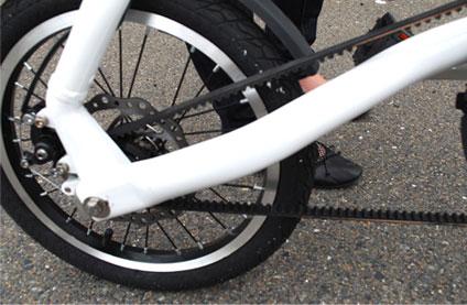 かっこいい激安軽量折り畳み自転車の車輪