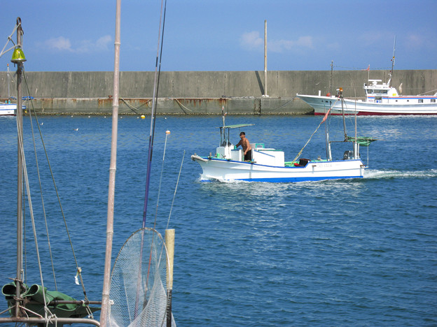 房総の漁港・夏・帰漁:2007_0825_canonpwsA640_IMG_1508