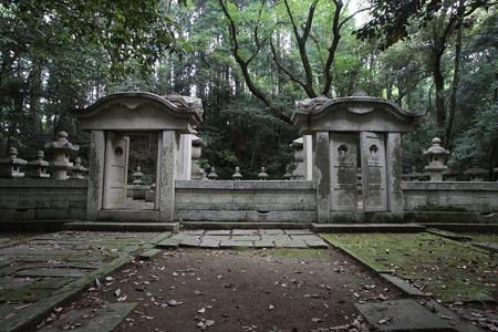 増位山随願寺・榊原政邦夫妻墓所 - 12