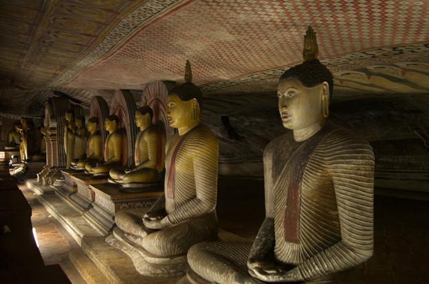 写真: スリランカ紀行-世界遺産ダンブッラ黄金寺院-
