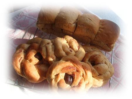 マロンの折り込み&黒糖パン2