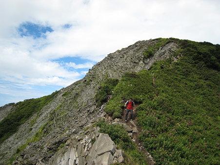 三鈷峰を下るキタムラさん