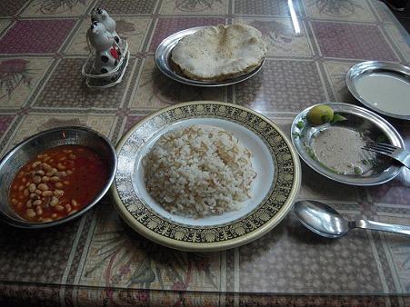 ダハブの大衆食堂のベジタリアン定食