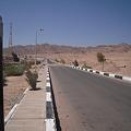 写真: シャルム・ッシェーフの長距離バスターミナルへの道