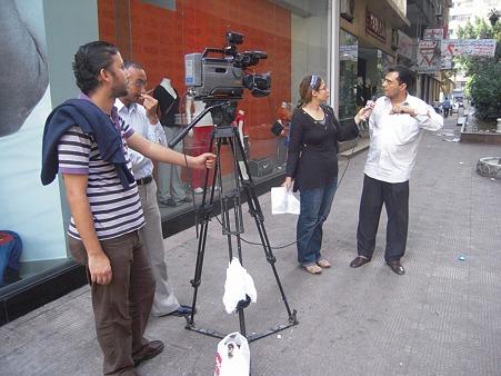 街頭でのテレビ撮影